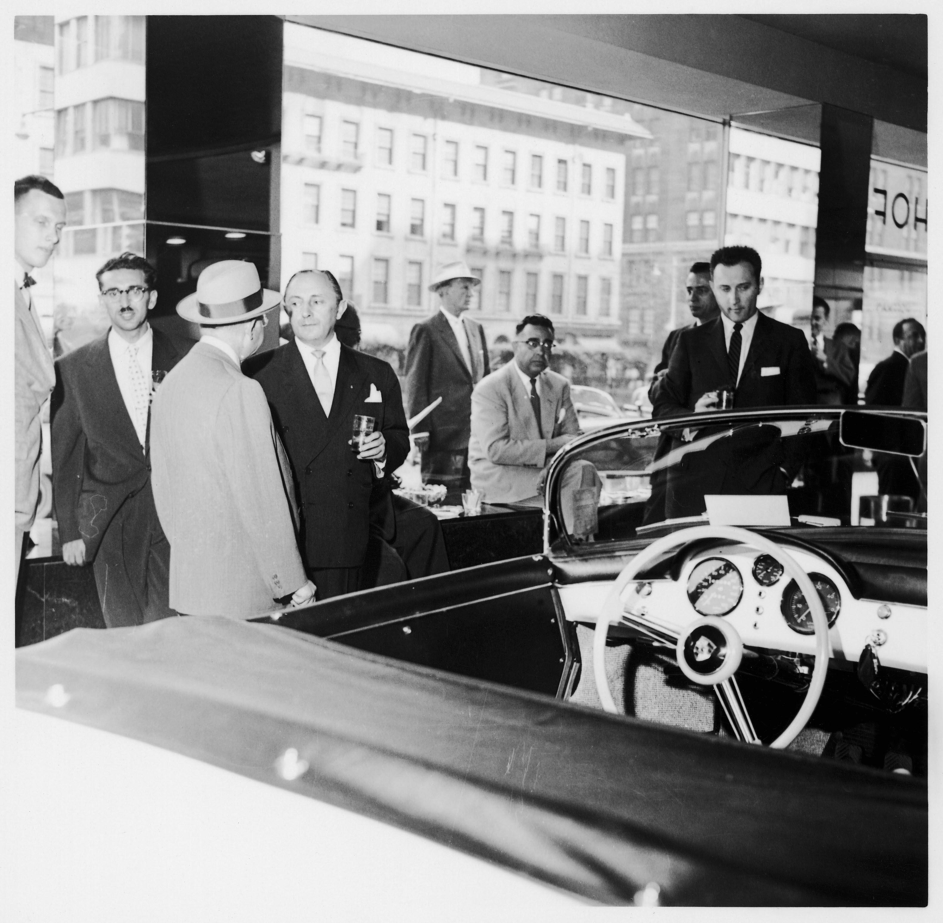 Max Hoffman : pas que Mercedes, Porsche aussi