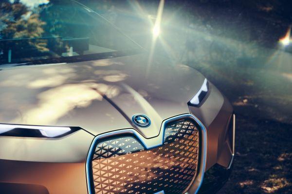 BMW iNEXT : Le géant vert et les haricots magiques