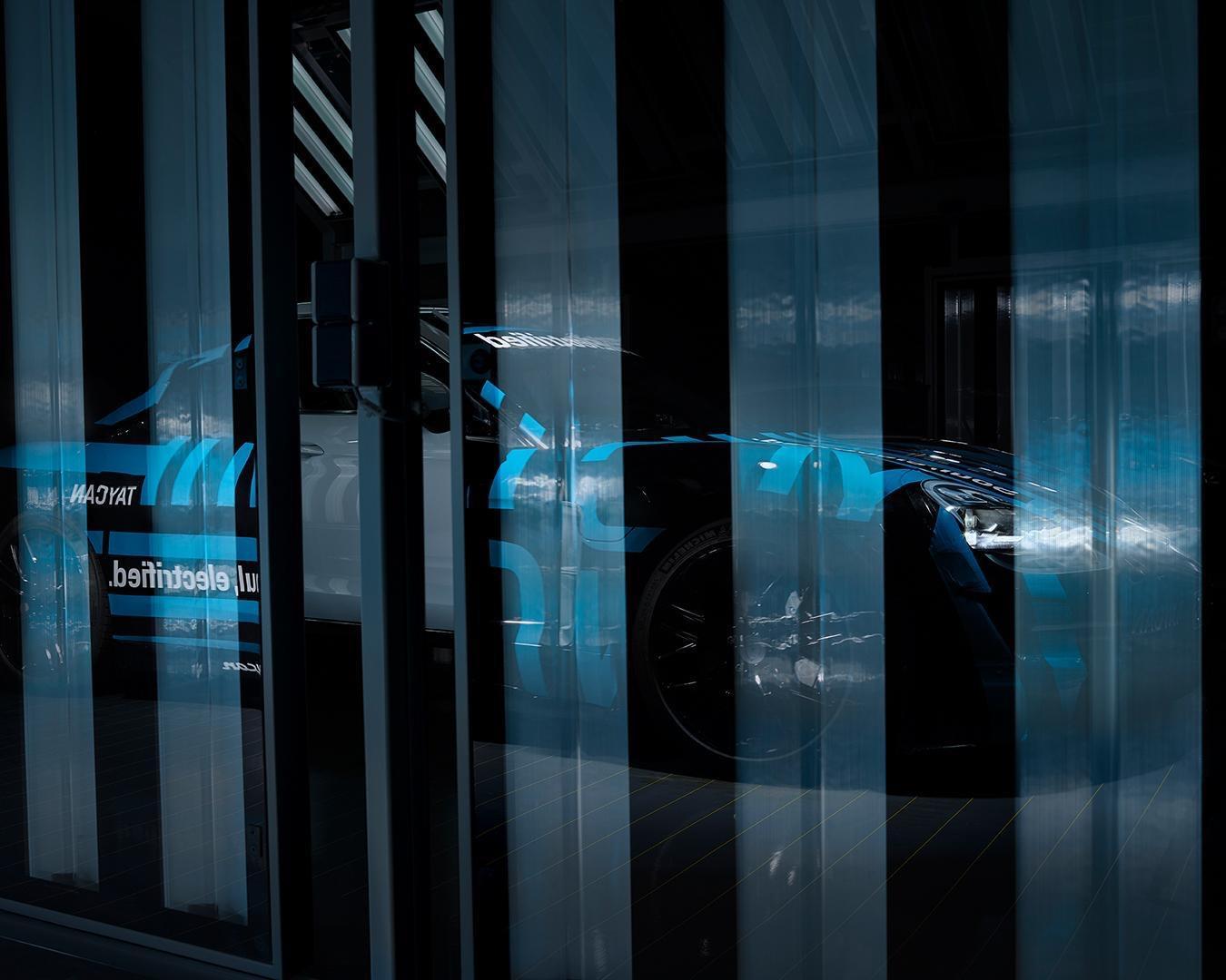 Porsche Taycan : déjà plus de 20 000 acheteurs potentiels – Nouvelles photos et vidéo