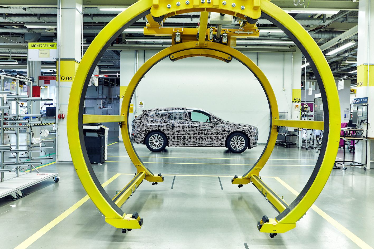 ENGLISH – BMW iNEXT : 100 prototypes in production in the pilot plant ! (VIDEO)