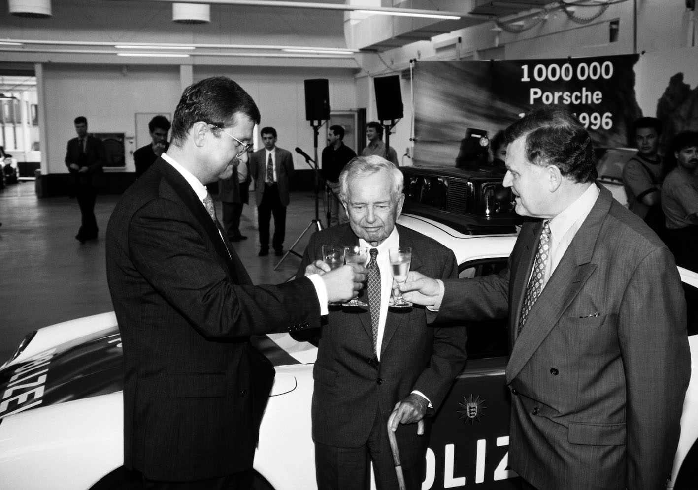 ENGLISH – SPECIAL TAYCAN. The 10 Porsche bosses