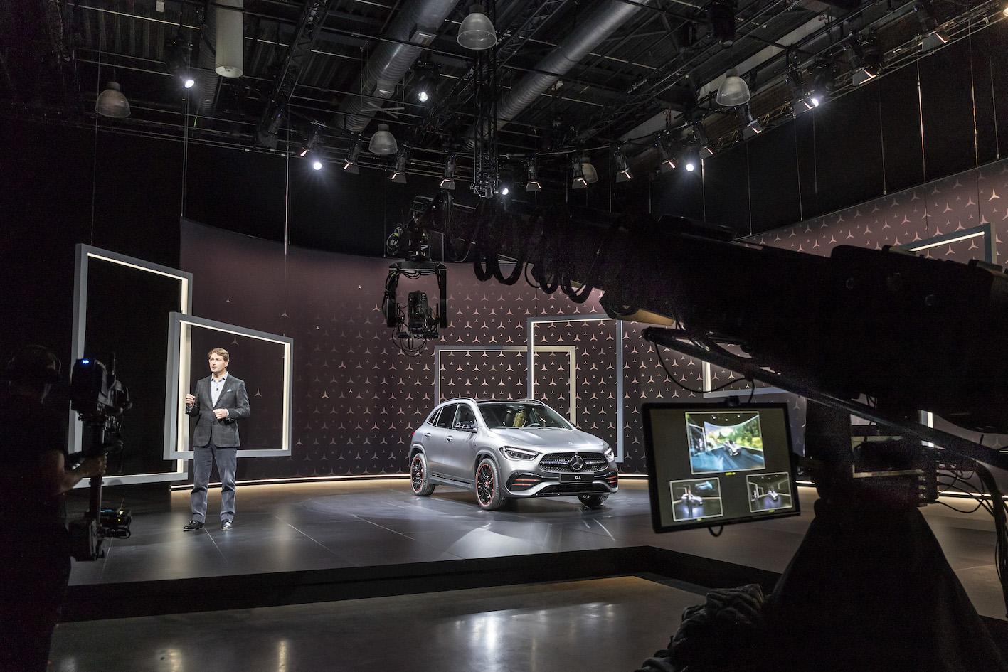 """Mercedes GLA : découvrez la vidéo de sa présentation """"digitale"""""""